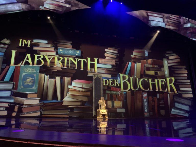 """""""Im Labyrinth der Bücher"""" – die Young Show im Friedrichstadt-Palast"""